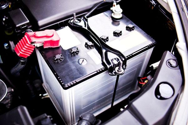 آنچه باید درمورد باتری خودرو بدانیم