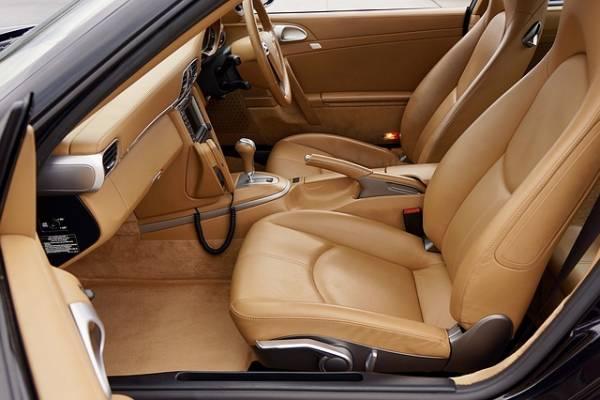 آشنایی با استانداردهای کفپوش و روکش صندلی خودرو